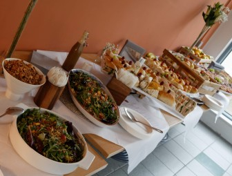 8.lunch_andrew_harbourne-thomas_4181_dxo