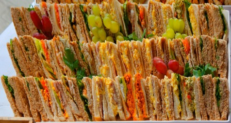 8.lunch_andrew_harbourne-thomas_4182_dxo